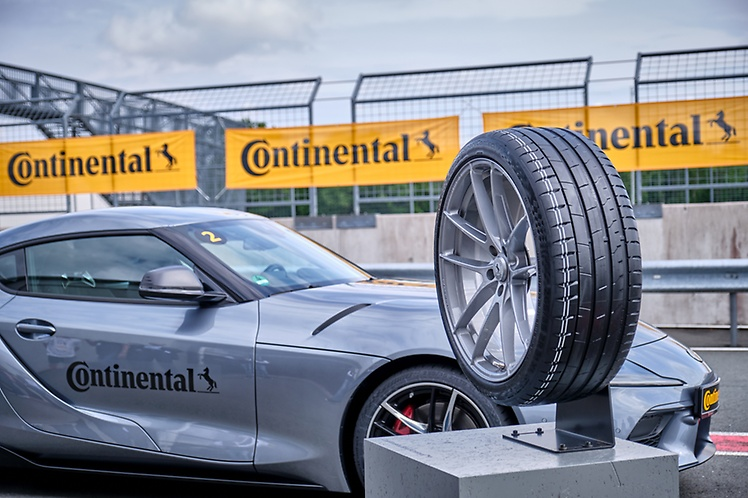 Continental SportContact™ 7